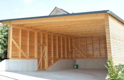 Bau von Carports mit Holzverkleidung